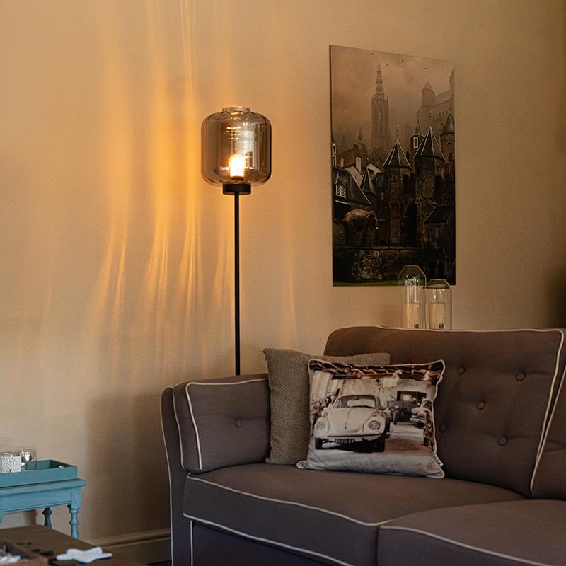 Design vloerlamp zwart met smoke glas - Qara