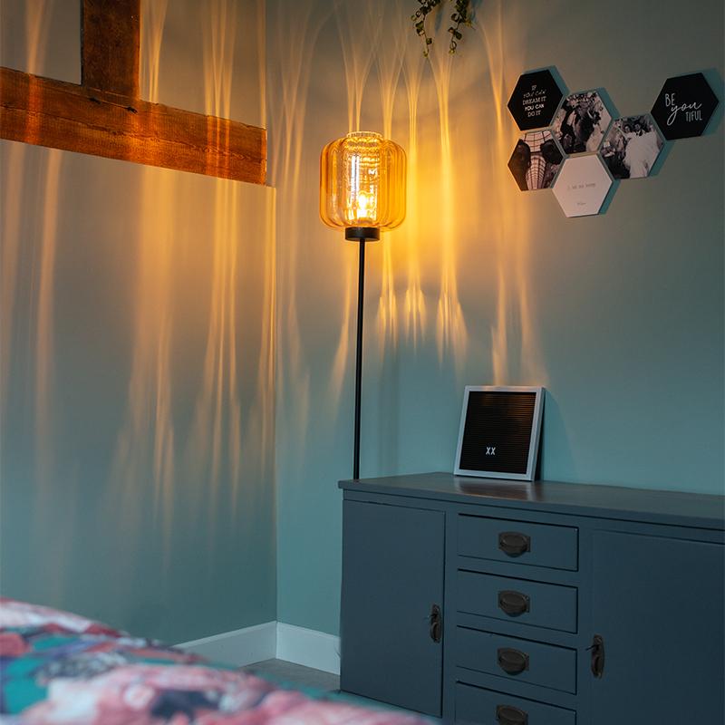 Design vloerlamp zwart met amber glas - Qara