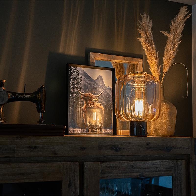 Design tafellamp zwart met amber glas - Qara