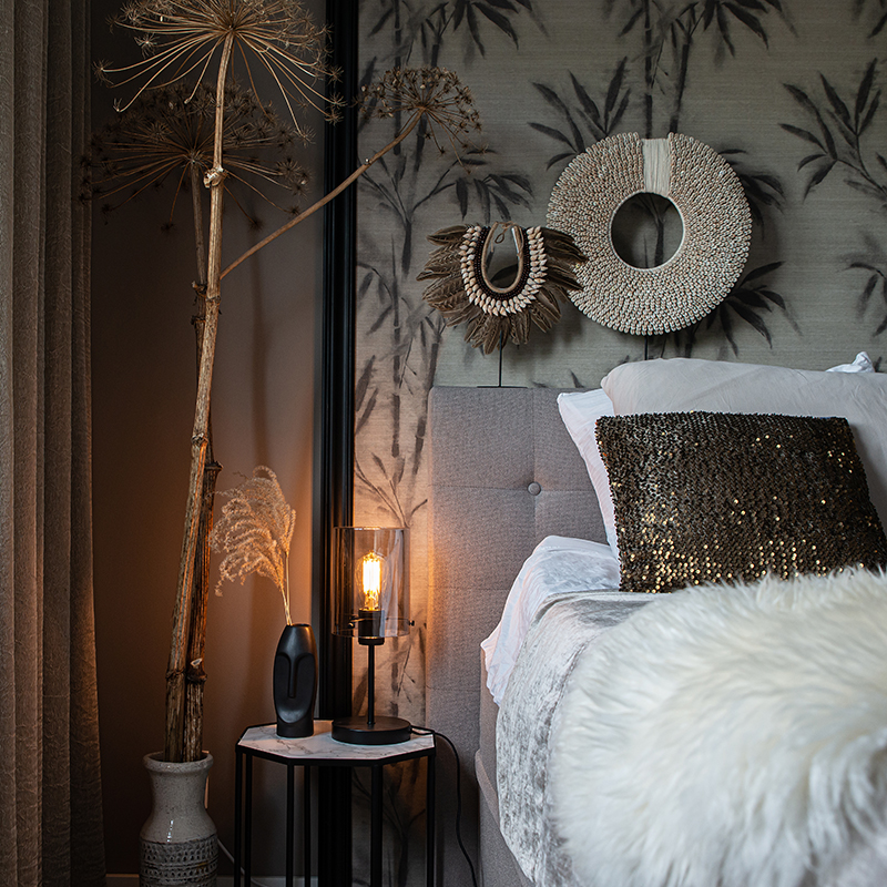 Design tafellamp zwart met smoke glas op standaard - Dome