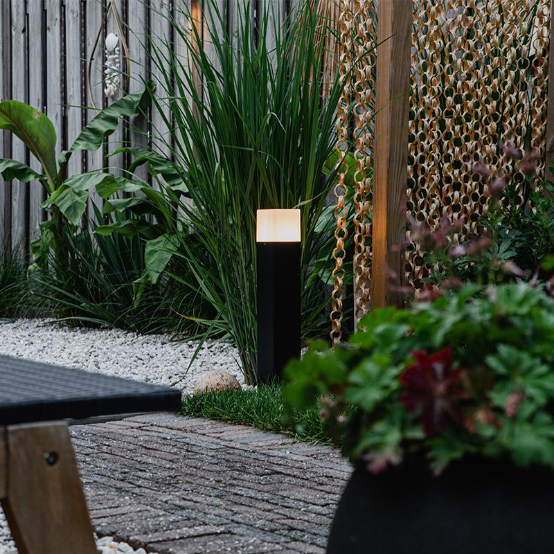 Staande buitenlamp zwart met opaal witte kap 50 cm - Denmark