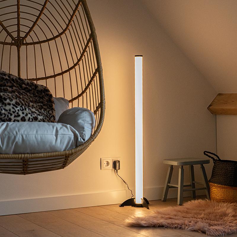 Design vloerlamp zwart met opaal incl. LED - Bomba