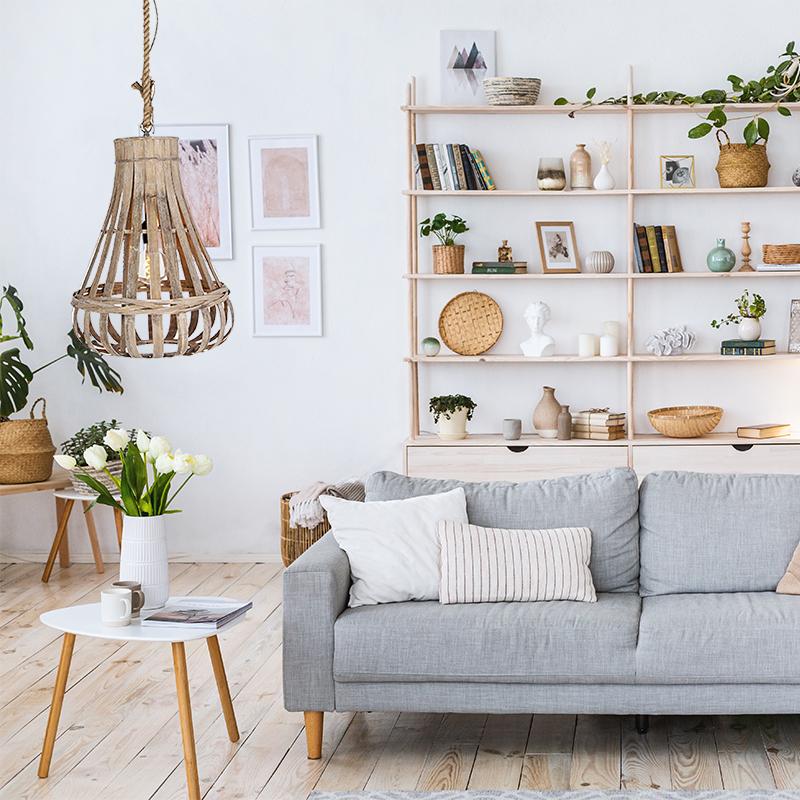 Hanglamp huiskamer, landelijk, hout met touw, bij bank, zithoek, bijzettafel of salontafel