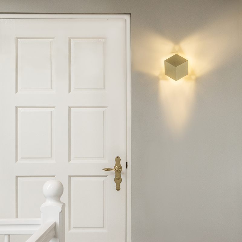 Wandlamp Cube goud