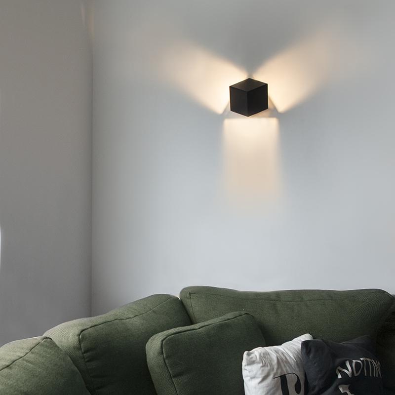 Moderne wandlamp zwart - Cube