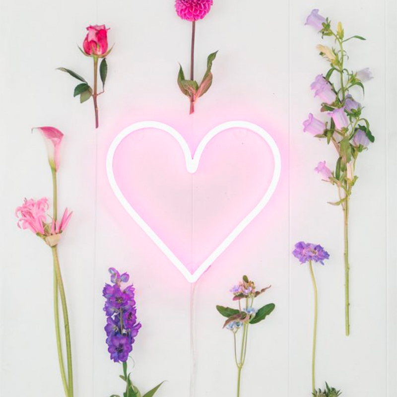 Wandlamp Neon hart roze dimbaar met remote