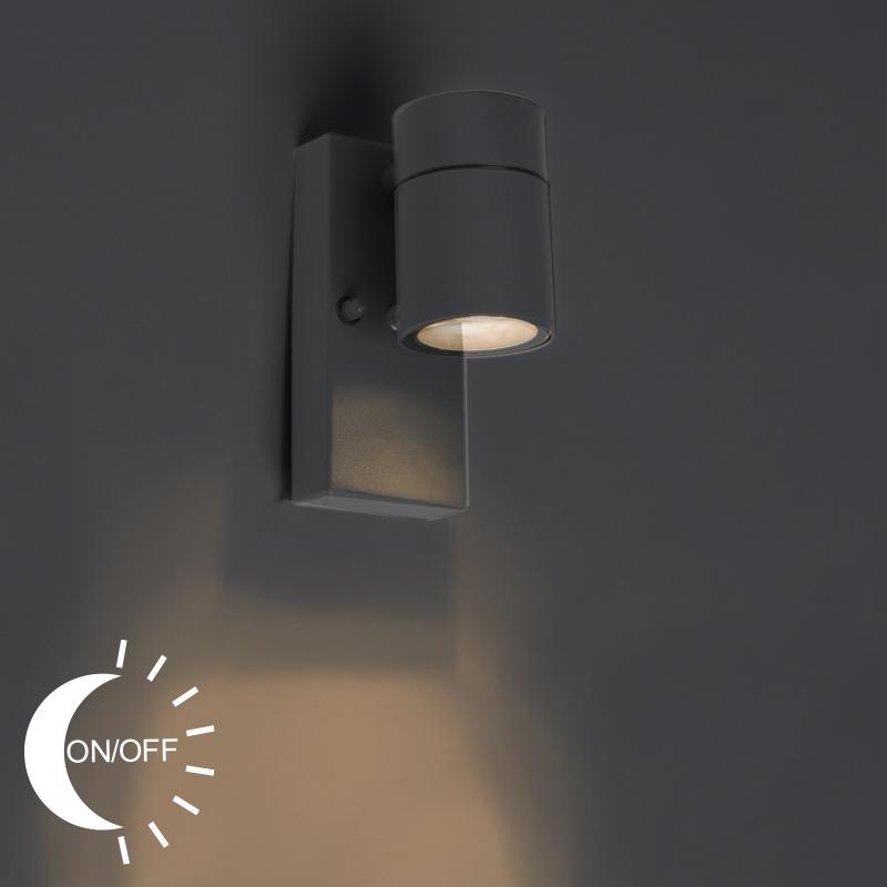 Buitenwandlamp antraciet IP44 met licht-donker sensor - Solo