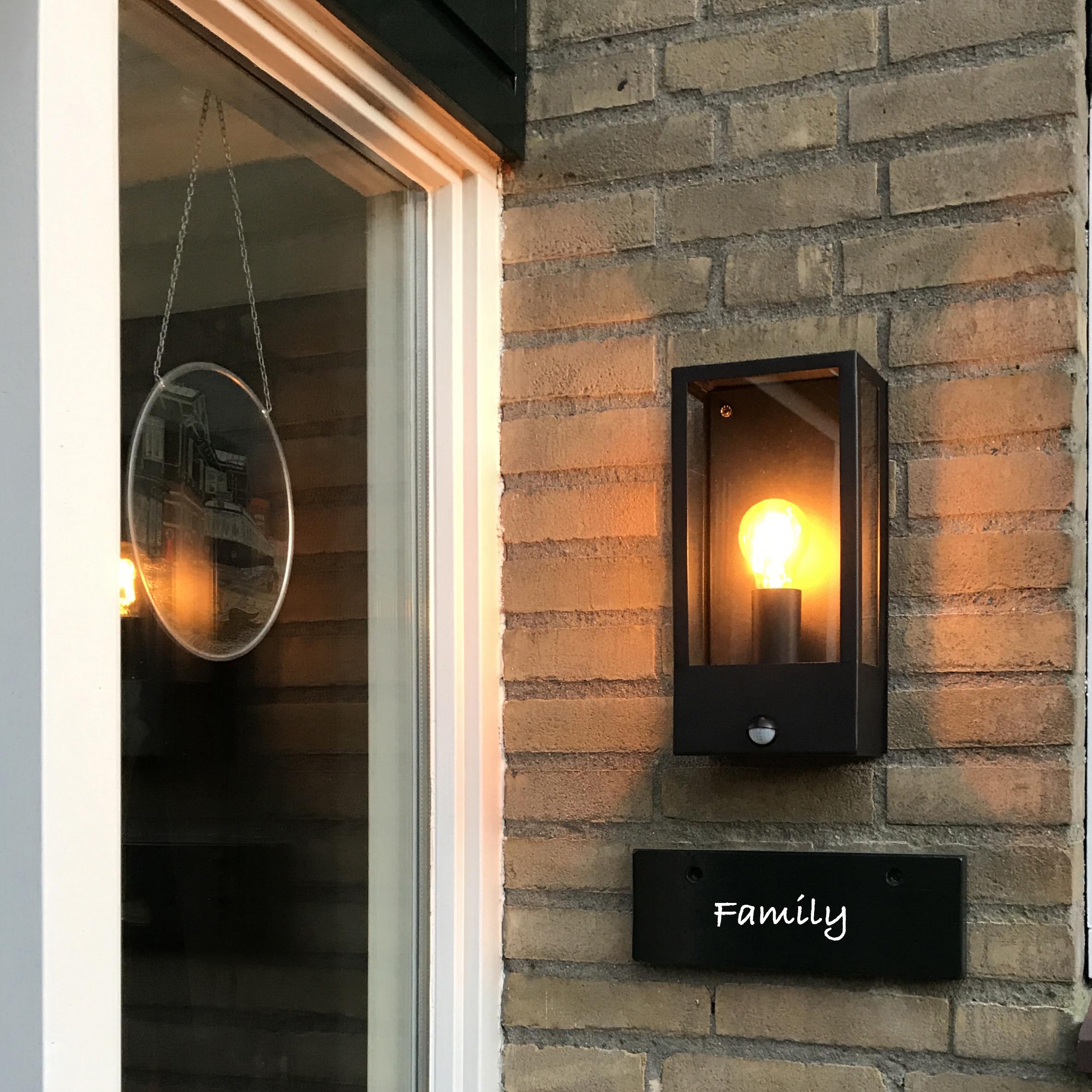 Buitenwandlamp zwart met bewegingsmelder IP44 - Rotterdam 1