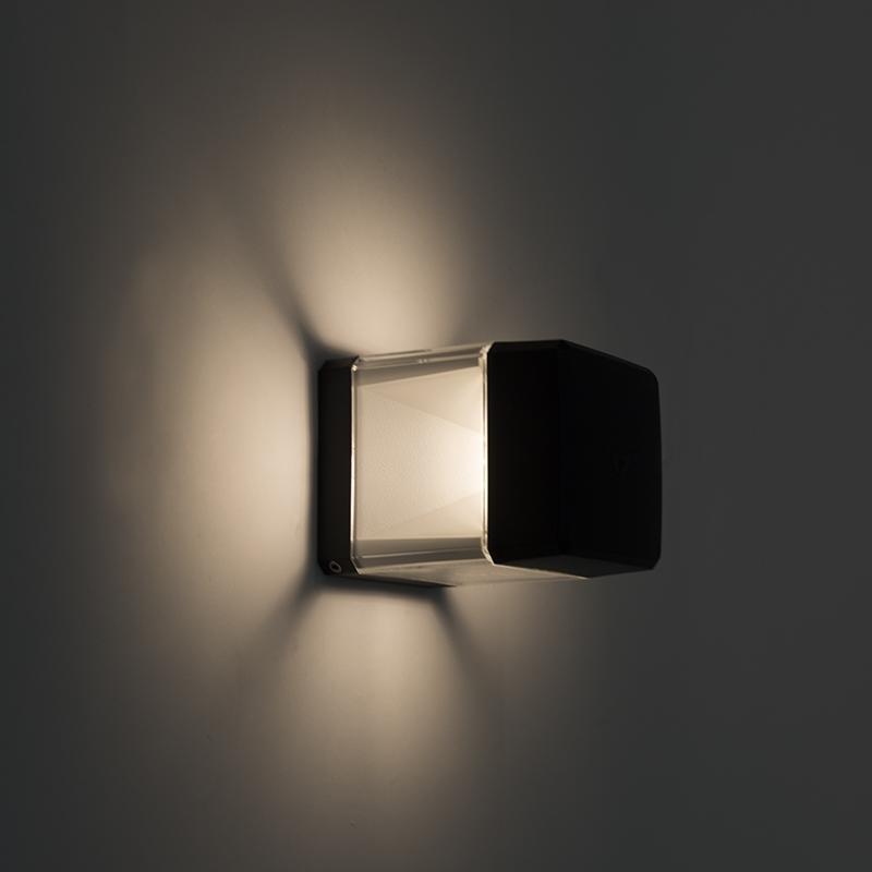 Moderne vierkante buitenwandlamp zwart incl. LED 3000K IP55 - Elisa