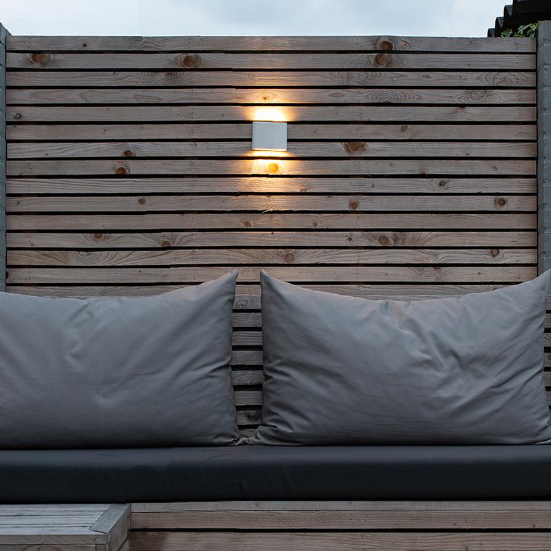 Moderne buitenwandlamp wit 11,5 cm incl. LED - Batt