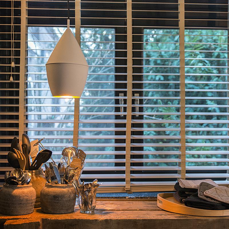 Moderne hanglamp wit met gouden binnenkant - Depeche-Jacob