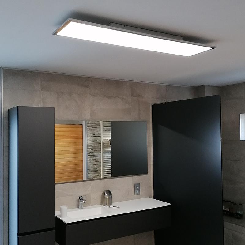 Strakke langwerpige plafondlamp chroom incl. LED IP44 - Flat