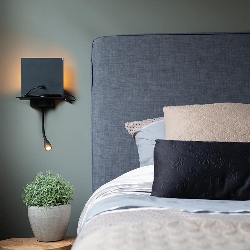 Moderne wandlamp zwart met USB en flexarm - Flero