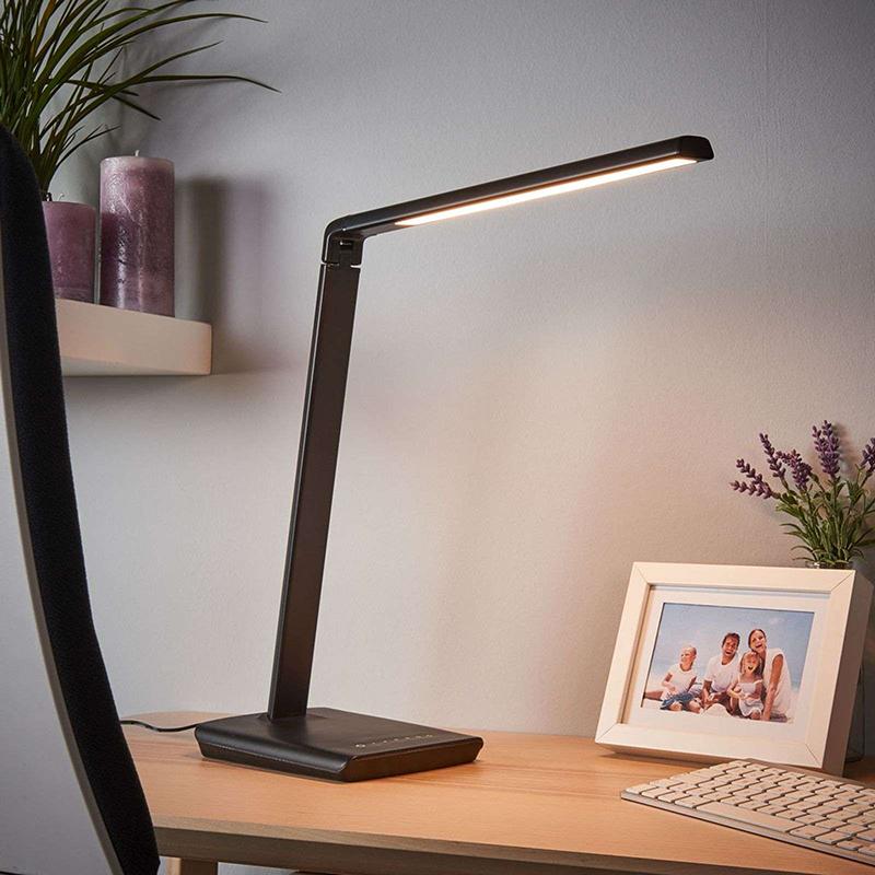 Czarna lampa biurkowa z portem USB, w tym LED i ściemniacz - Kuno